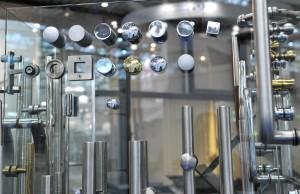 Фурнитура для зеркала и стекла в Екатеринбурге