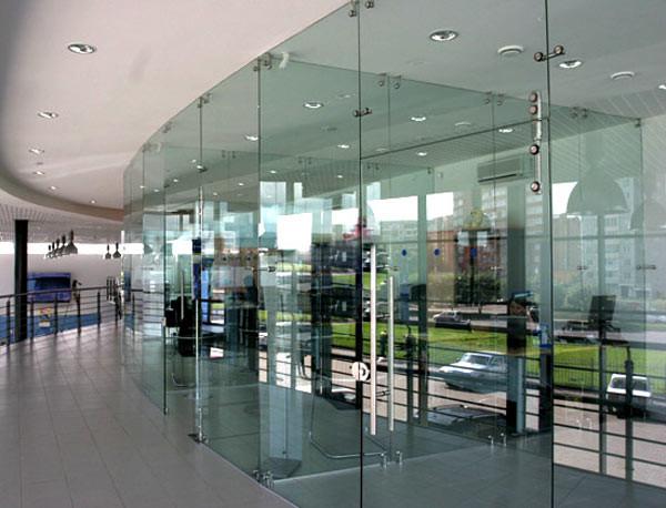 Перегородки из стекла на заказ в Екатеринбурге