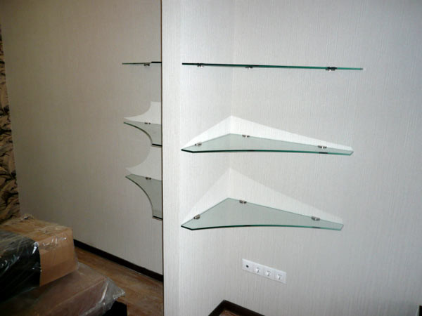 Полки из стекла на заказ в Екатеринбурге