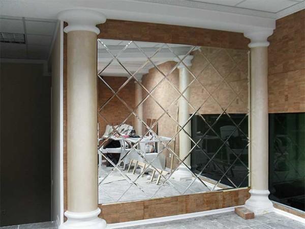 Зеркальное панно в Екатеринбурге