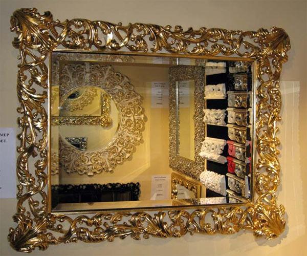 Зеркало в золотистой раме в Екатеринбурге